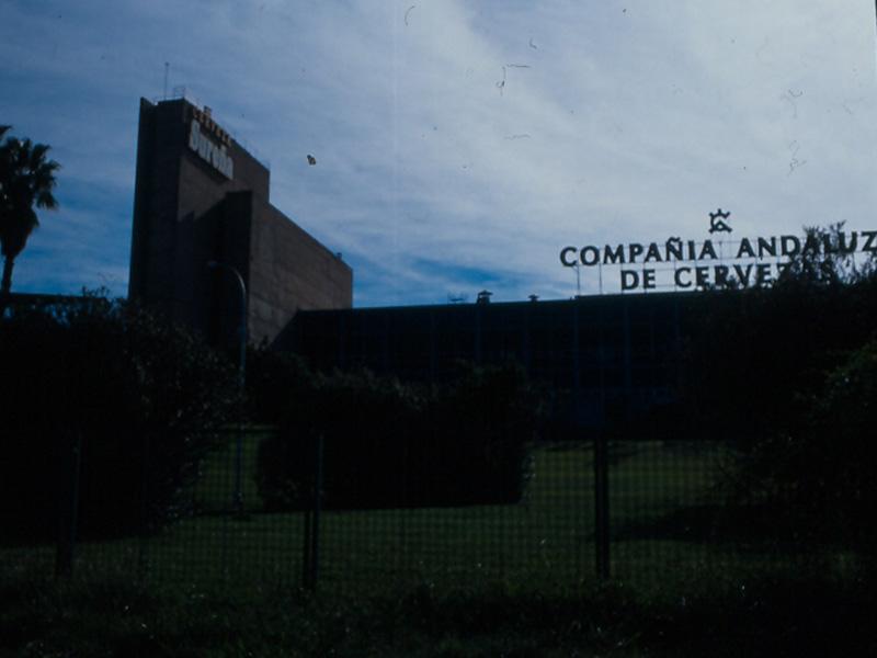 FÁBRICA DE CERVEZAS EL ÁGUILA